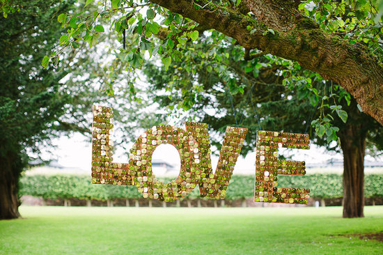 Glittery Gold Wedding Finds for Glam Handmade Weddings LOVE sign