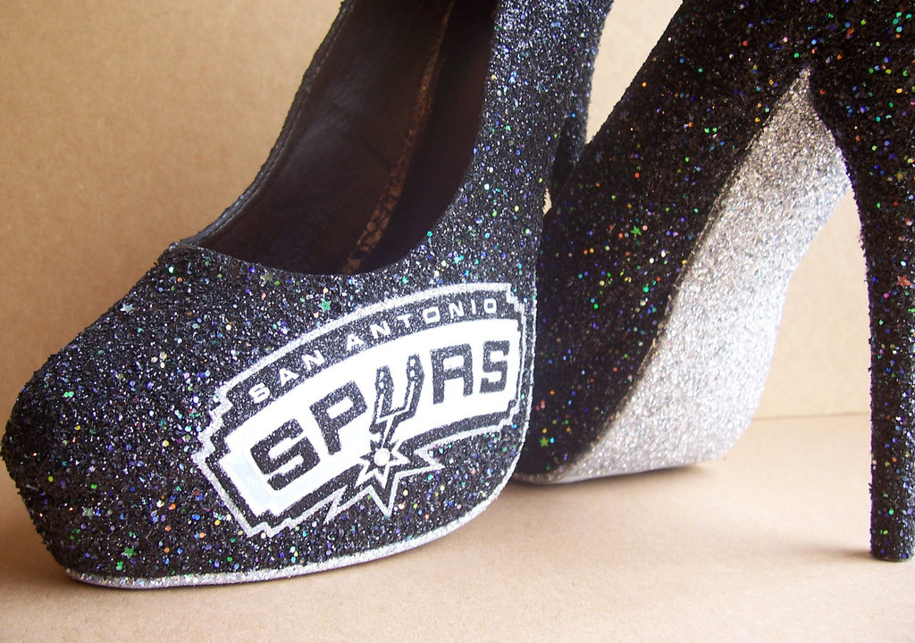 Funky-wedding-shoes-for-sports-loving-brides-spurs.full