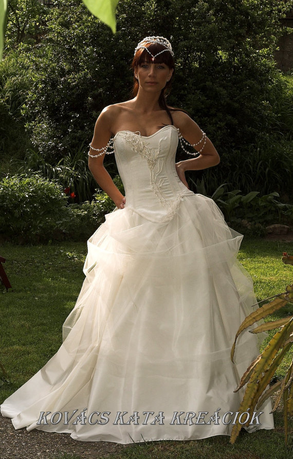 Aphrodite_gown.full