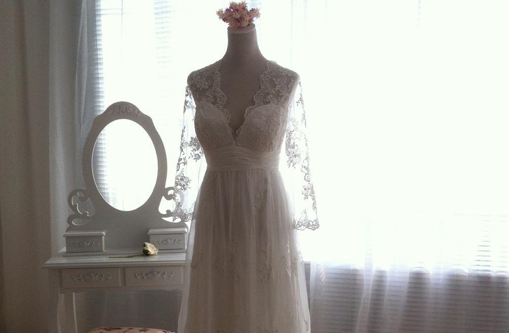 Sleeved-wedding-dresses-on-etsy-bridal-trends-2012-6.full
