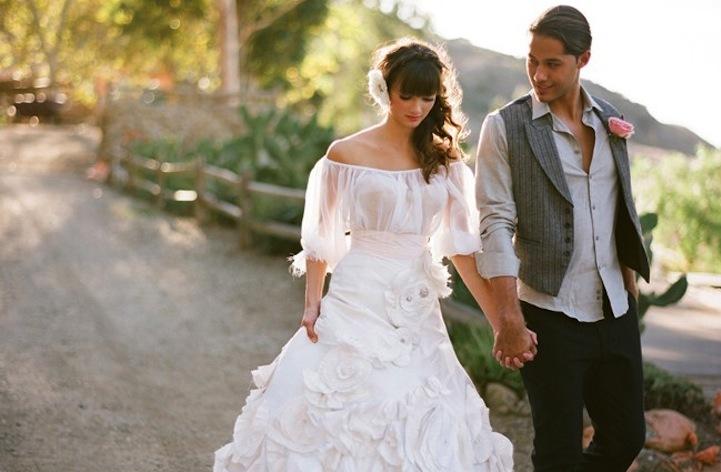 Sleeved-wedding-dresses-on-etsy-bridal-trends-2012-4.full