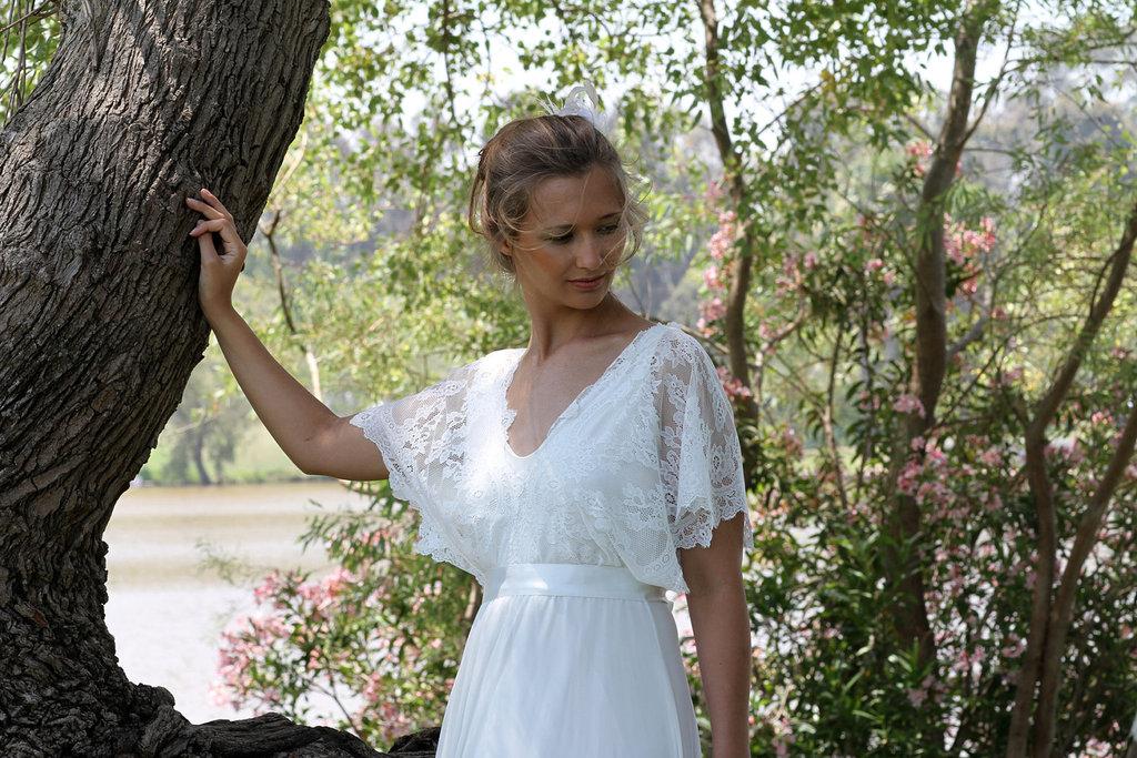 Sleeved-wedding-dresses-on-etsy-bridal-trends-2012-13.full