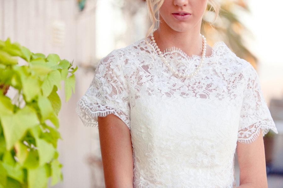 Sleeved-wedding-dresses-on-etsy-bridal-trends-2012-18.full