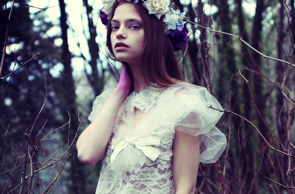 Sleeved-wedding-dresses-on-etsy-bridal-trends-2012-19.full