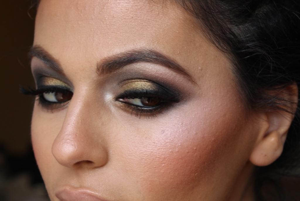Bridal-beauty-ideas-smokey-eyes.full