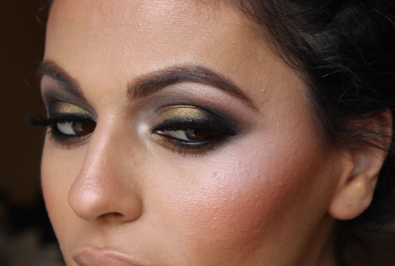 M I S S B E A U T Y A D I K T: Two Toned Smokey Eye Makeup