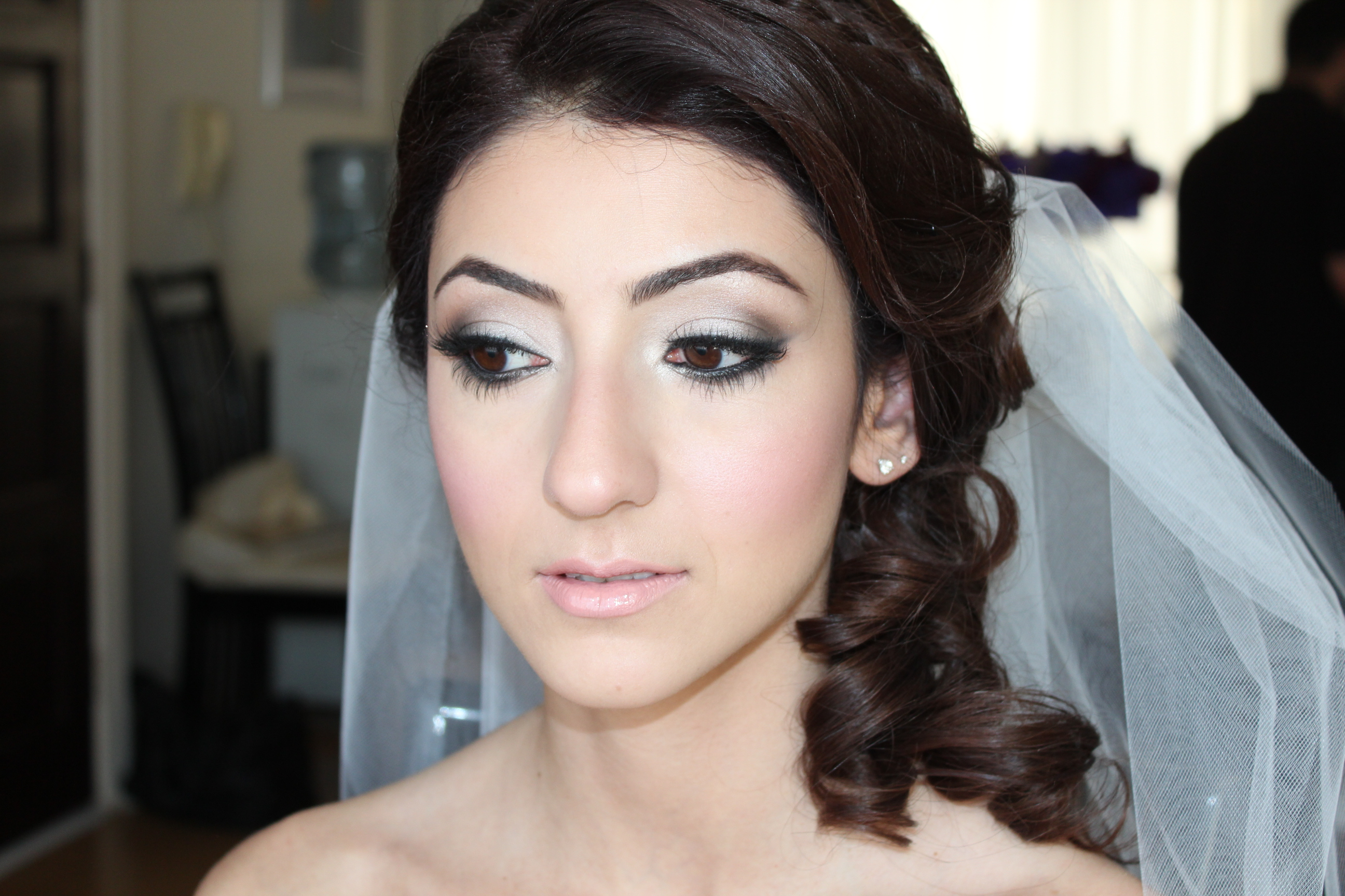 Dramatic Bridal Makeup Brown Eyes : Bridal Beauty Inspiration Dramatic Eyes for the Wedding4 ...