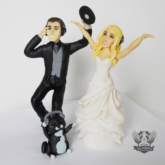 dj_wedding_topper
