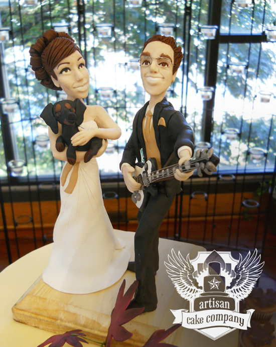 wedding_topper_custom_guitar_dog