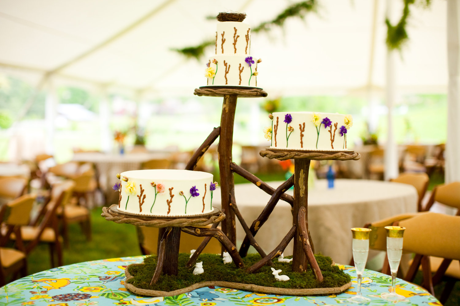 Rustic wedding ideas woodland weddings by etsy tiered cake for Acheter table