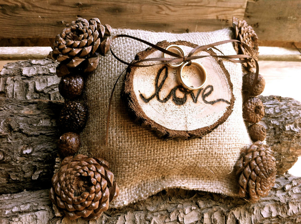 Rustic-wedding-ideas-woodland-weddings-by-etsy-burlap-ring-bearer-pillow.full