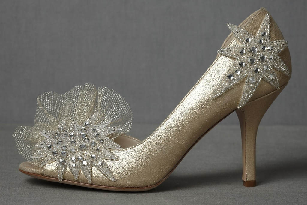 Wedding-accessories-inspiration-shimmery-bridal-heels-3.full