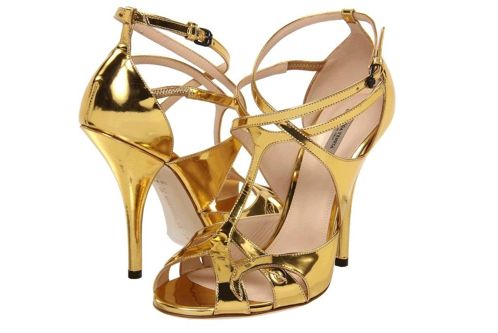 Wedding-accessories-inspiration-shimmery-bridal-heels-bottega-veneta.full