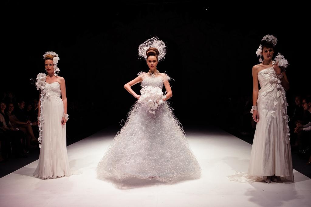 Dramatic-bridal-couture-yumi-katsura-2013-wedding-dress-bridesmaid-gowns-2.full