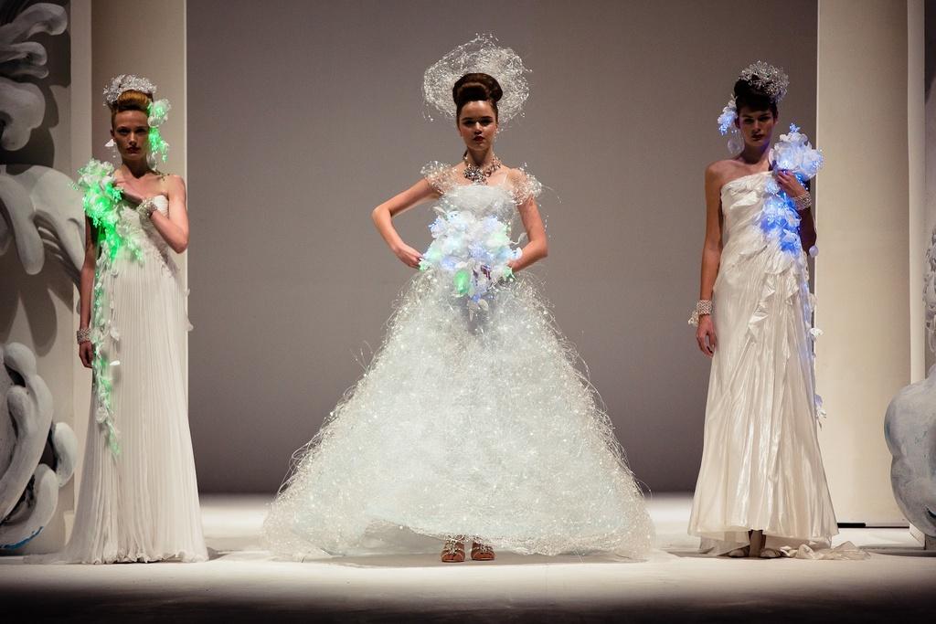 Dramatic-bridal-couture-yumi-katsura-2013-wedding-dress-electric-bridal-gowns.full