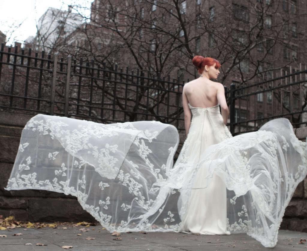 Celebrity-wedding-dress-designers-randi-rahm-for-the-bachelorette-ashley-hebert-14.full