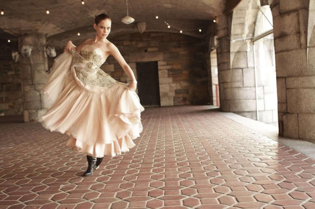 Celebrity-wedding-dress-designers-randi-rahm-for-the-bachelorette-ashley-hebert-8.full