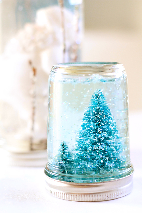 Winter-wedding-ideas-diy-snow-globe-decor-4.full