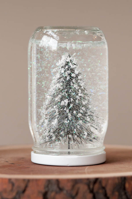 DIY Winter Wedding Ideas homemade snow globes
