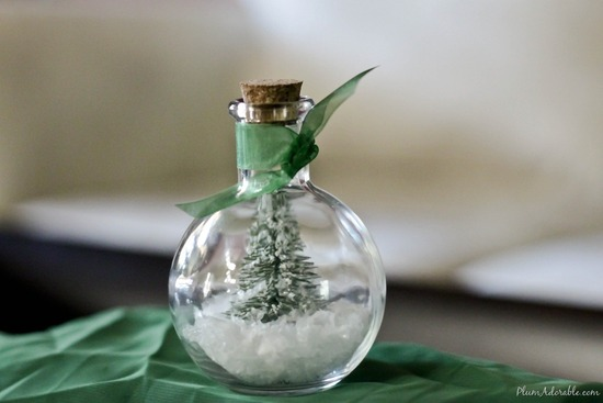 DIY snow globe ornaments winter wedding ideas