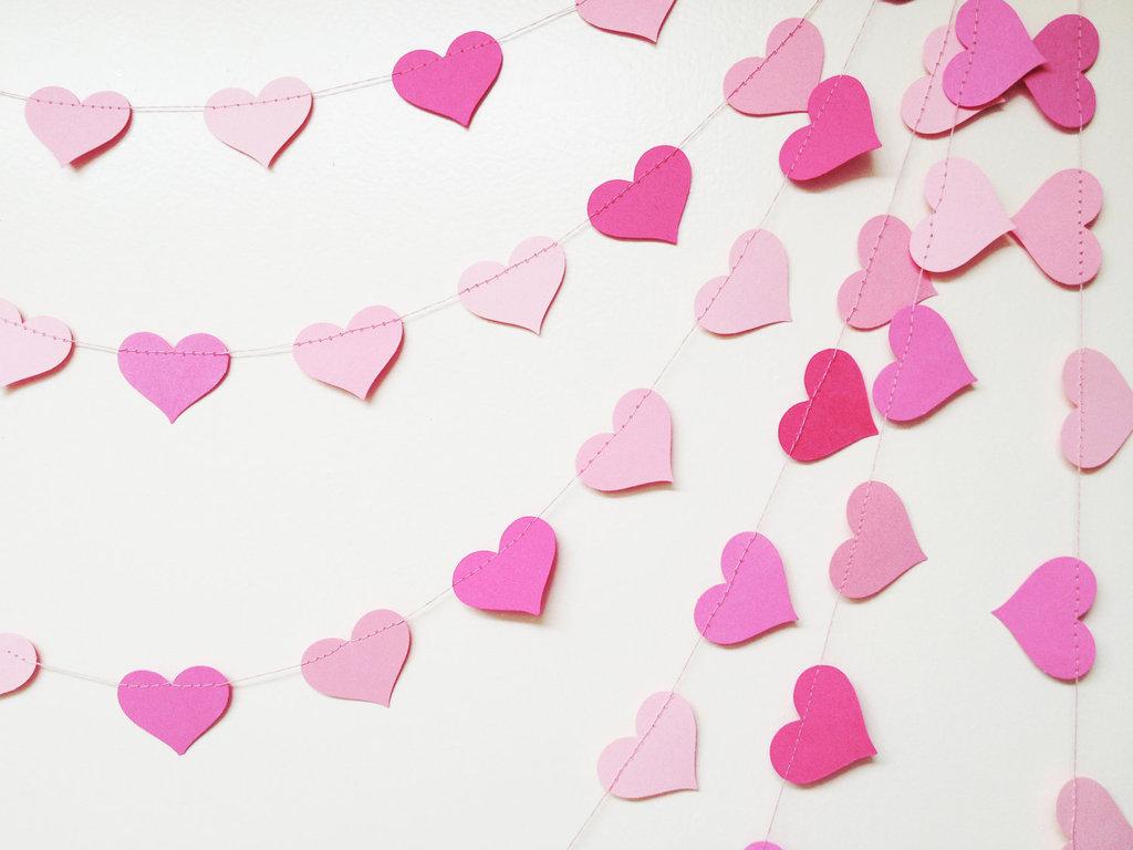Wedding-decor-pink-hearts-garland.full
