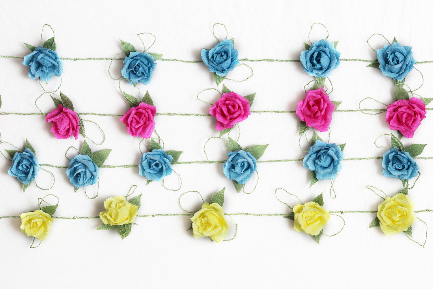 Colorful-floral-garland-for-romantic-weddings.original