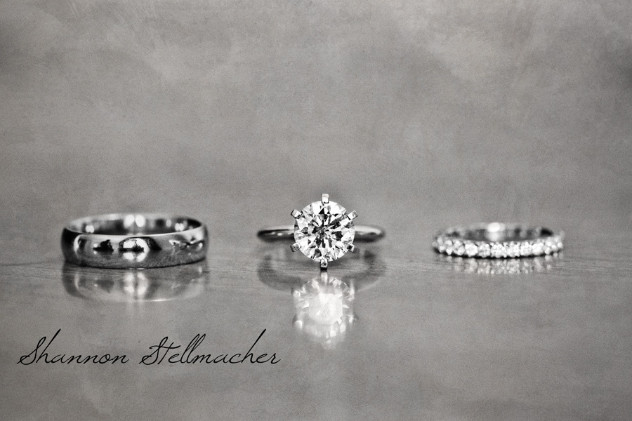 Gorgeous-engagement-ring-wedding-bands-photo.full