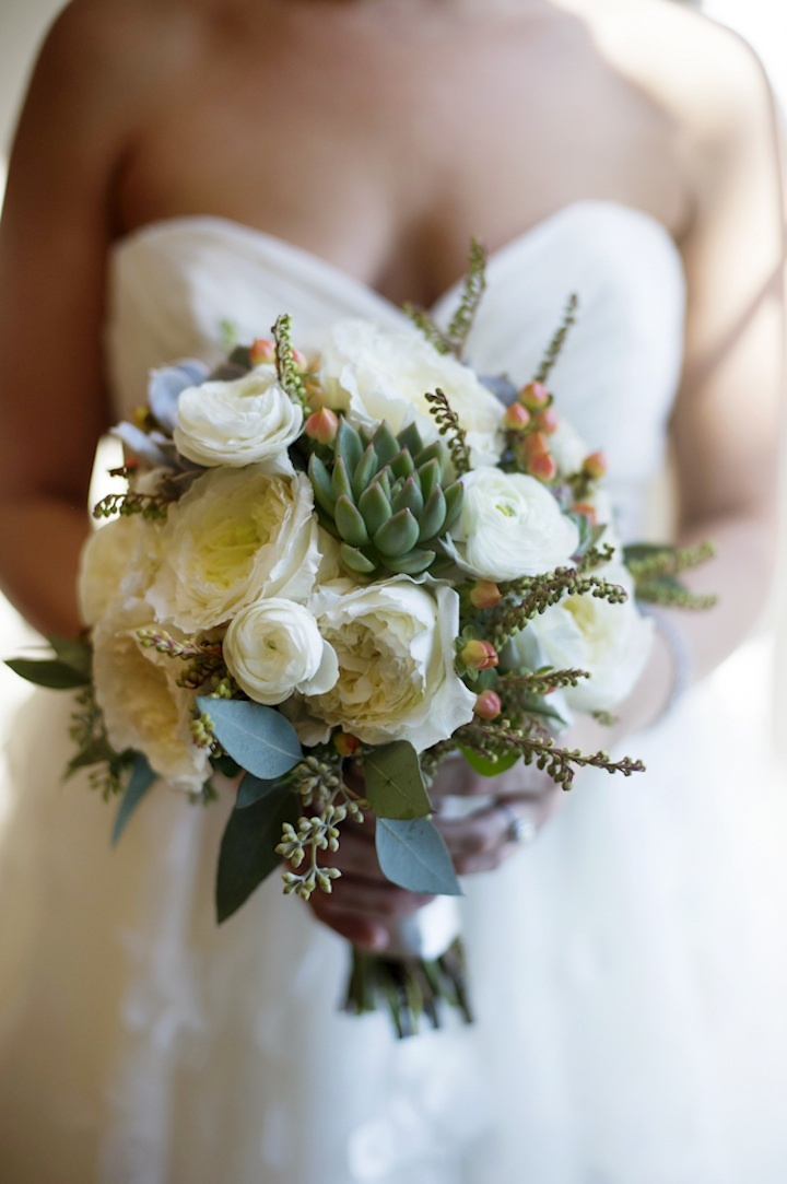 Gorgeous-bridal-bouquet-ivory-roses-and-succulents.full