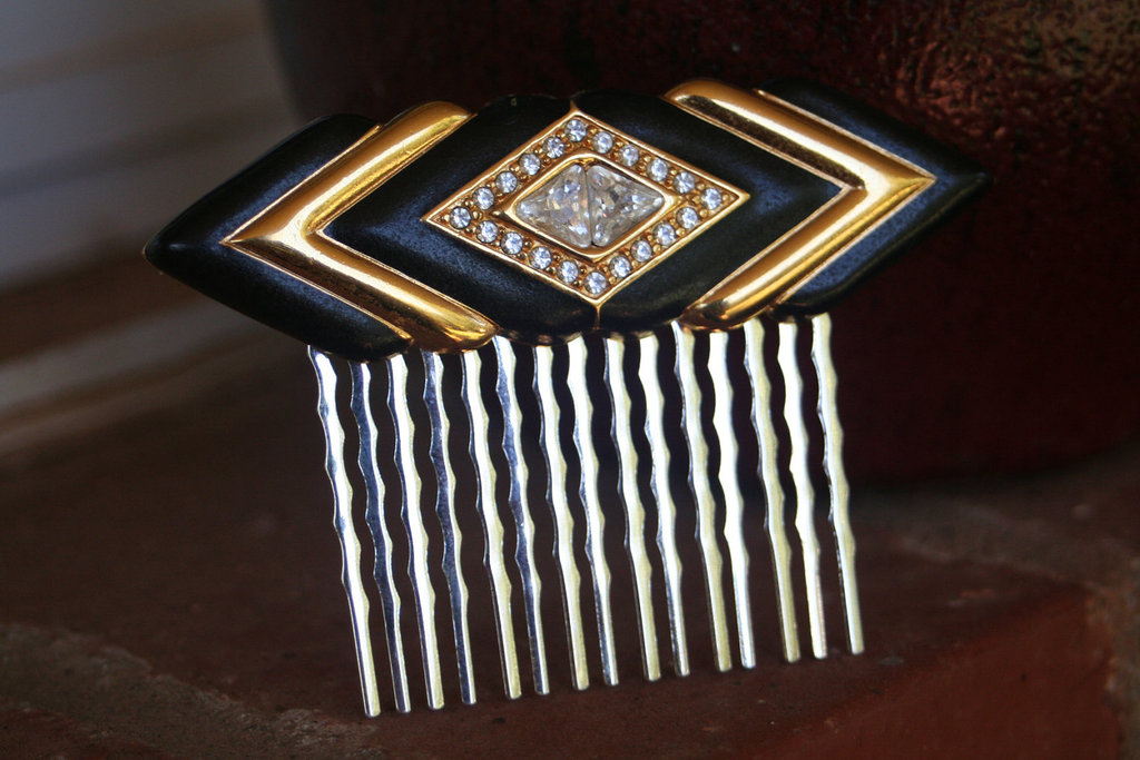 Black-gold-art-deco-wedding-hair-comb.full