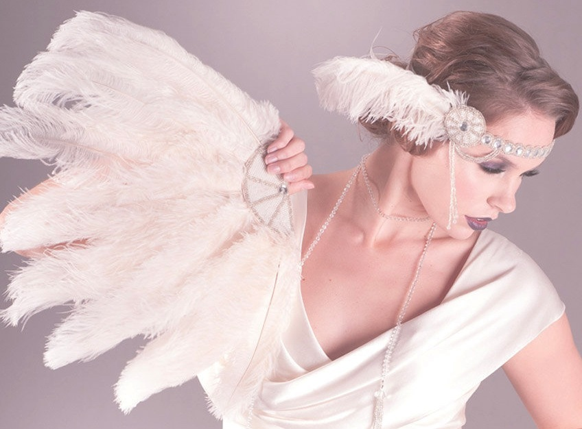 Art-deco-wedding-accessories-feather-bridal-fan.full