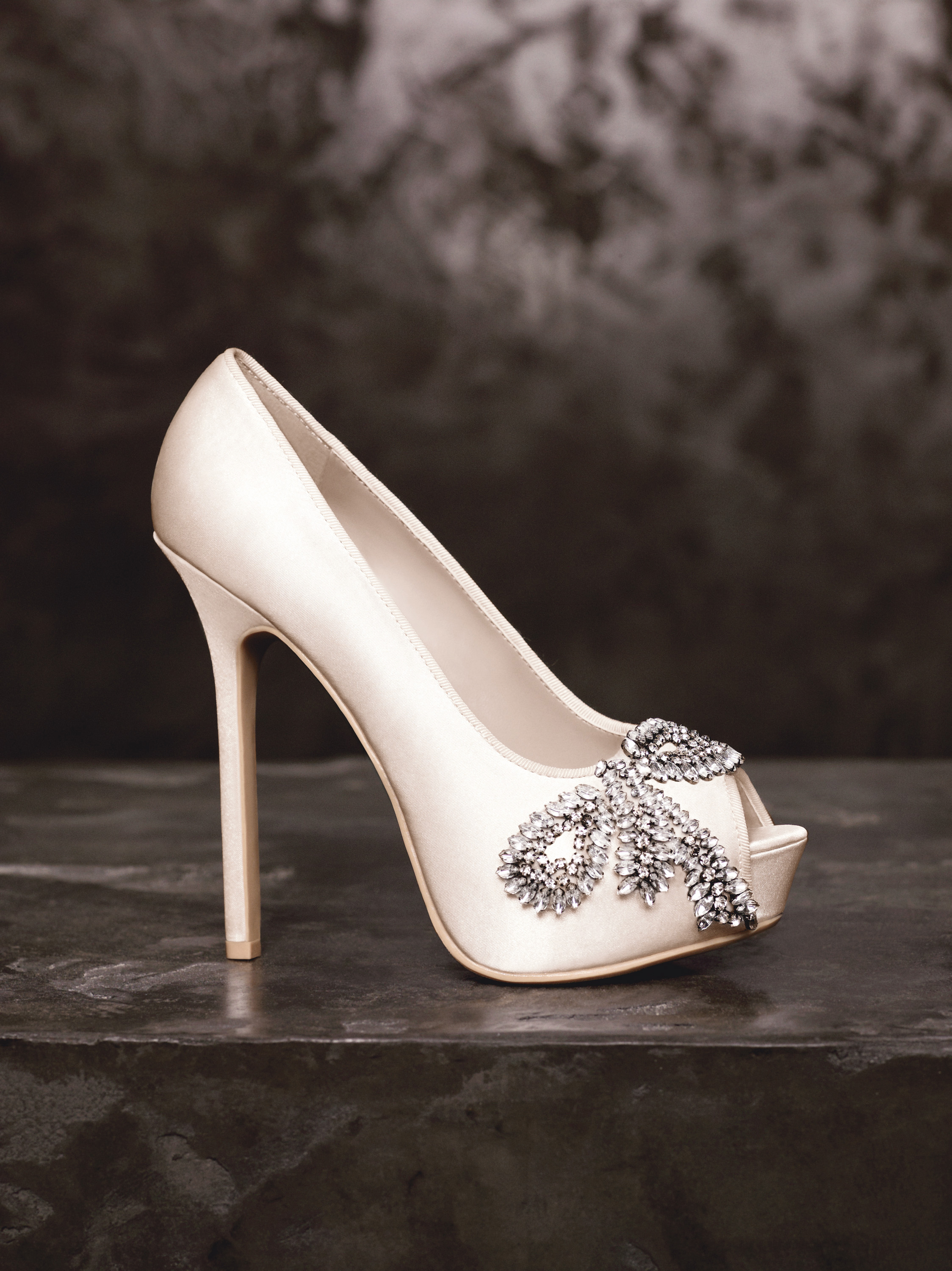 Spring 2013 White By Vera Wang Wedding Shoes VW370143
