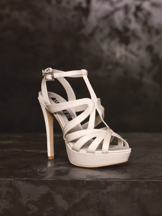 Spring 2013 White by Vera Wang Wedding Shoes VW370125
