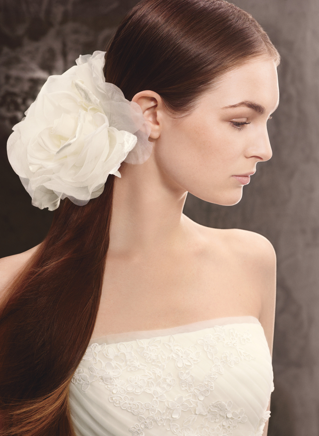 Spring-2013-white-by-vera-wang-wedding-hair-accessories-vw370110.full