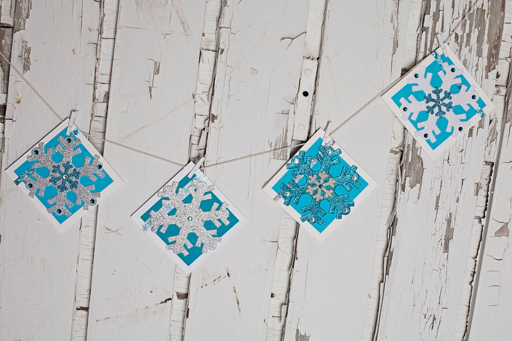 Whimsical-snowflake-wedding-garland.full