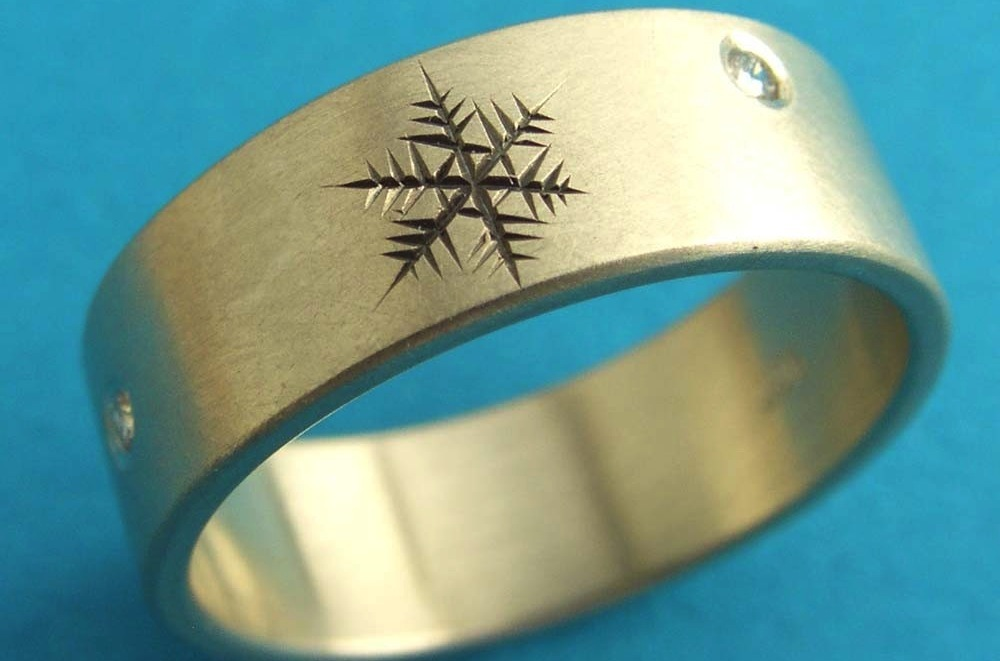 Snowflake Engraved Mens Wedding Band