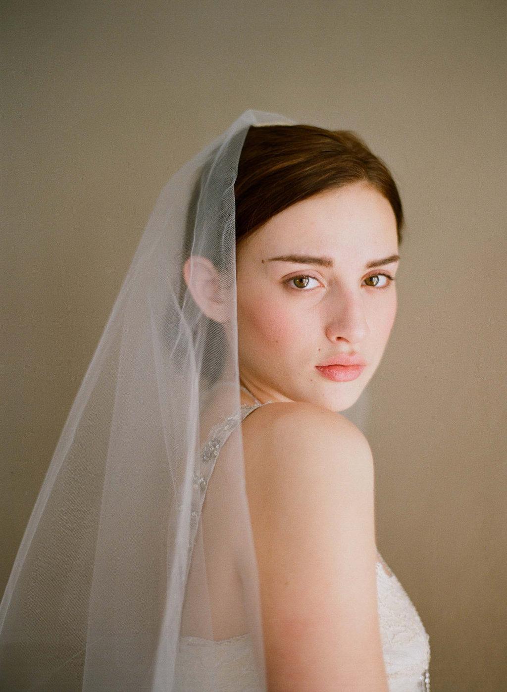 Classic-sheer-bridal-veil-two-tier.full