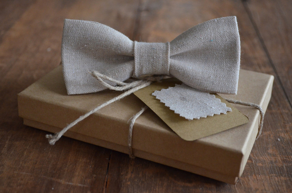 Linen-bow-tie-for-eco-grooms.full