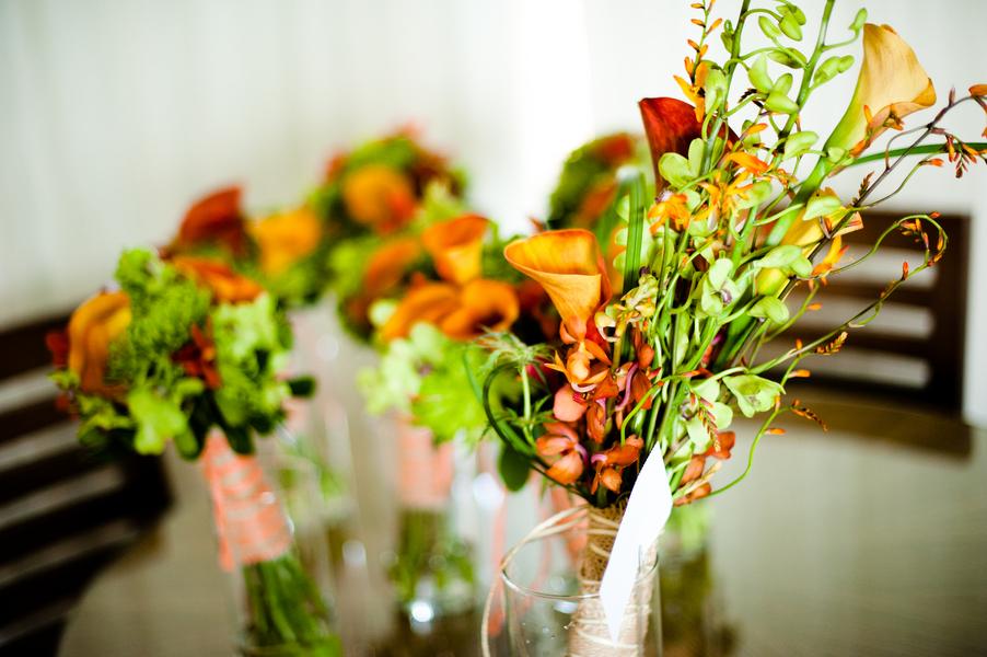 Tropical-orange-green-bridal-bouquet-for-beach-wedding.full