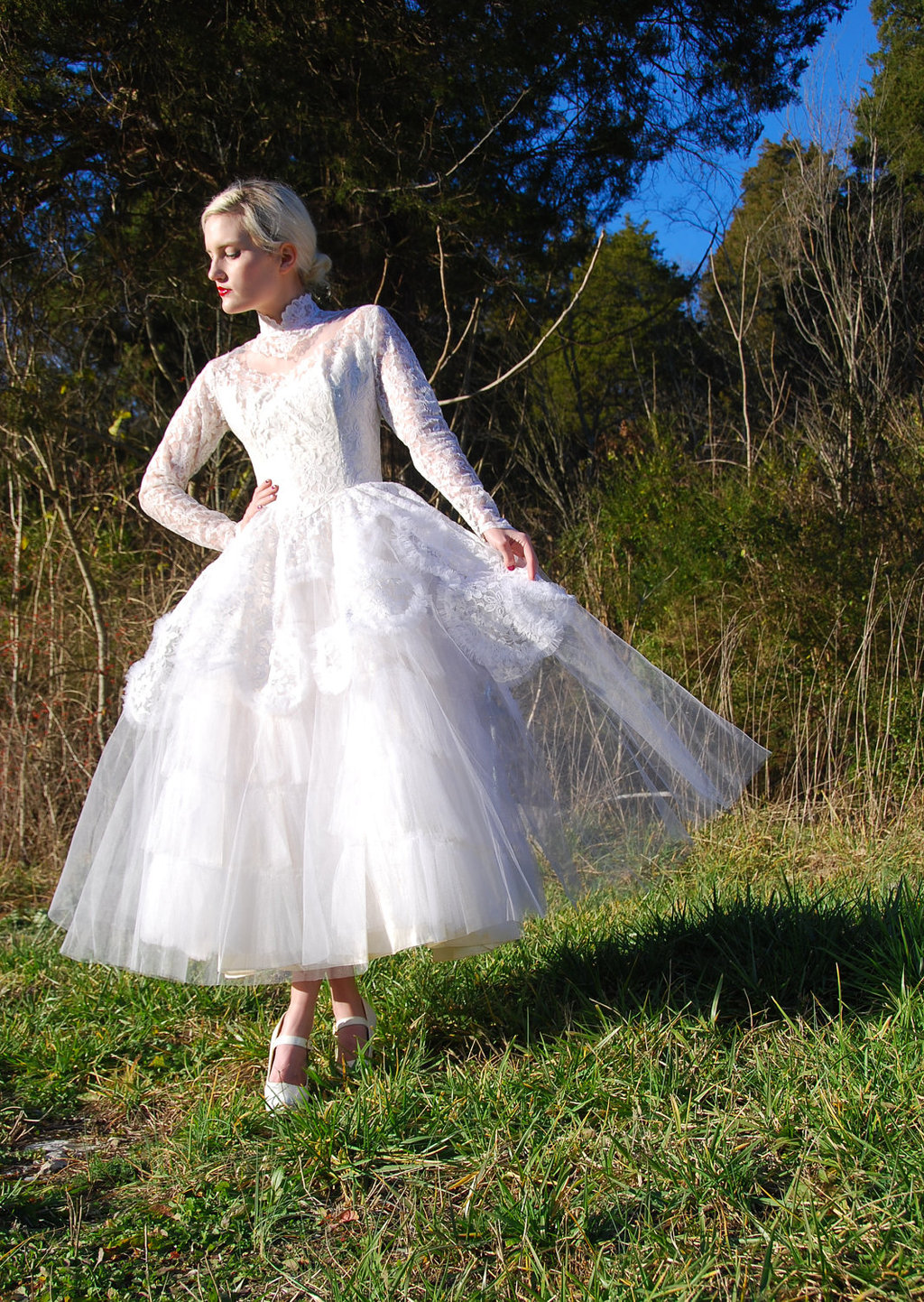 Lace-tulle-vintage-wedding-dress.full