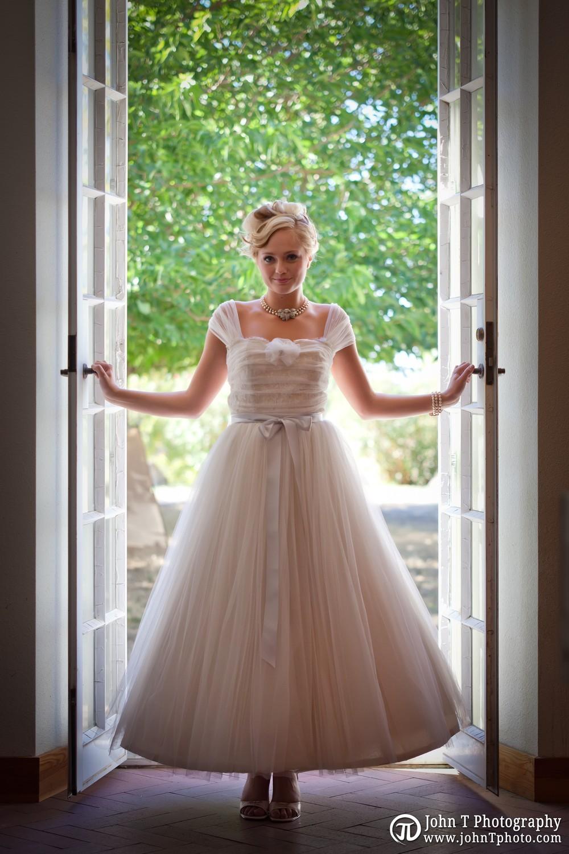 1950s-inspired-wedding-dress-yolanda.full