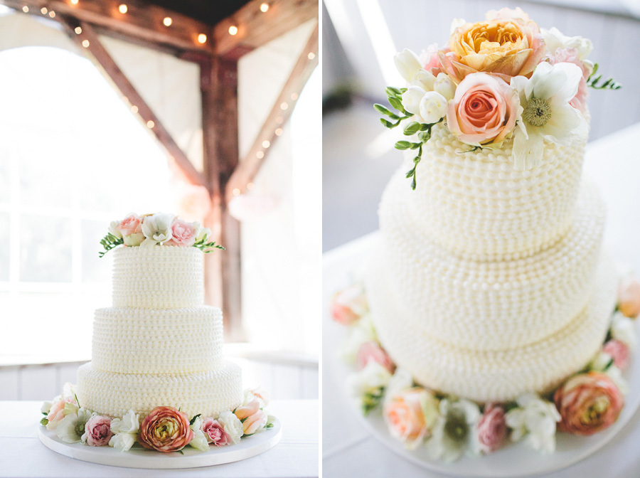 Classic-wedding-cake-with-a-romantic-floral-twist.full
