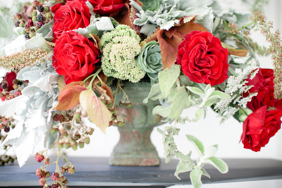 Winter-wedding-centerpiece-with-red-roses.original