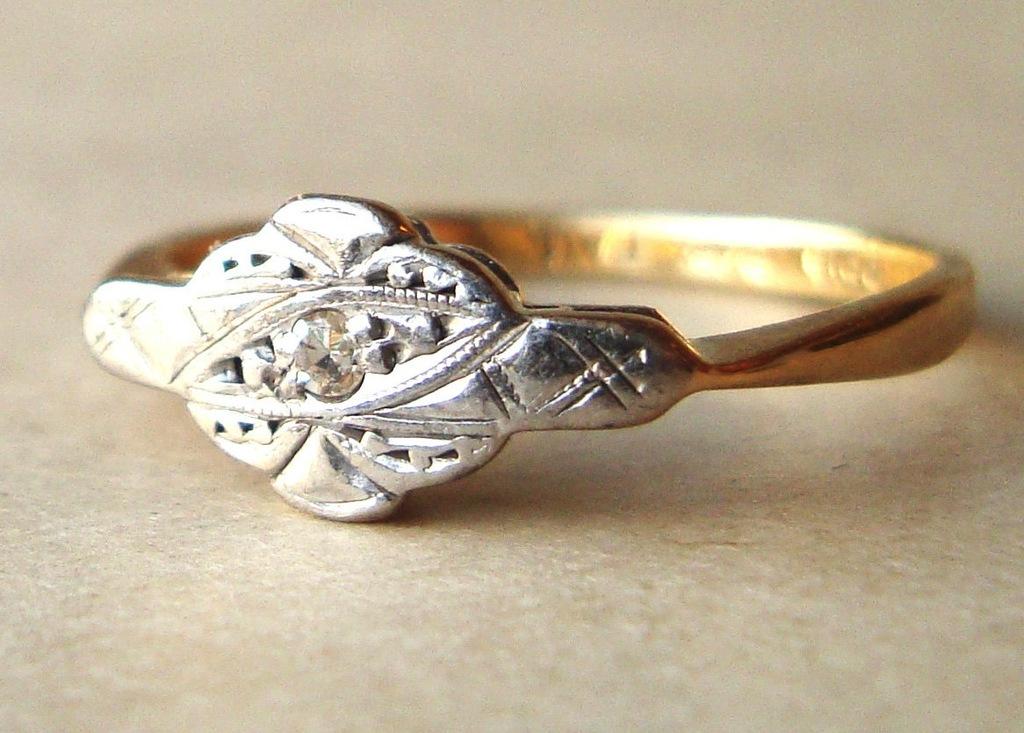 Art-deco-engagement-ring.full