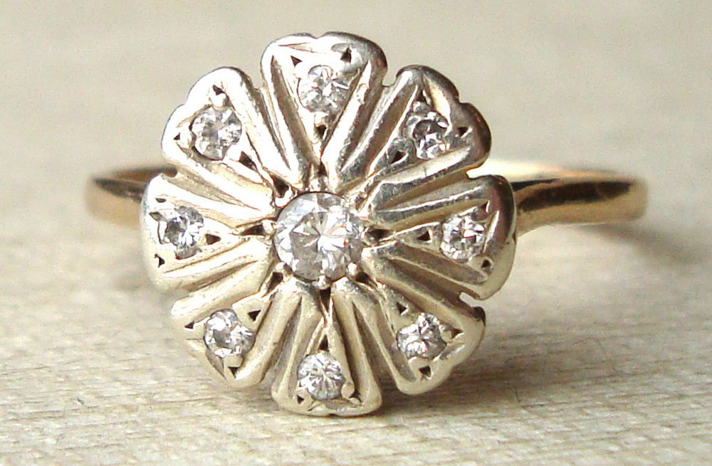 Daisy-inspired-vintage-engagement-ring.full