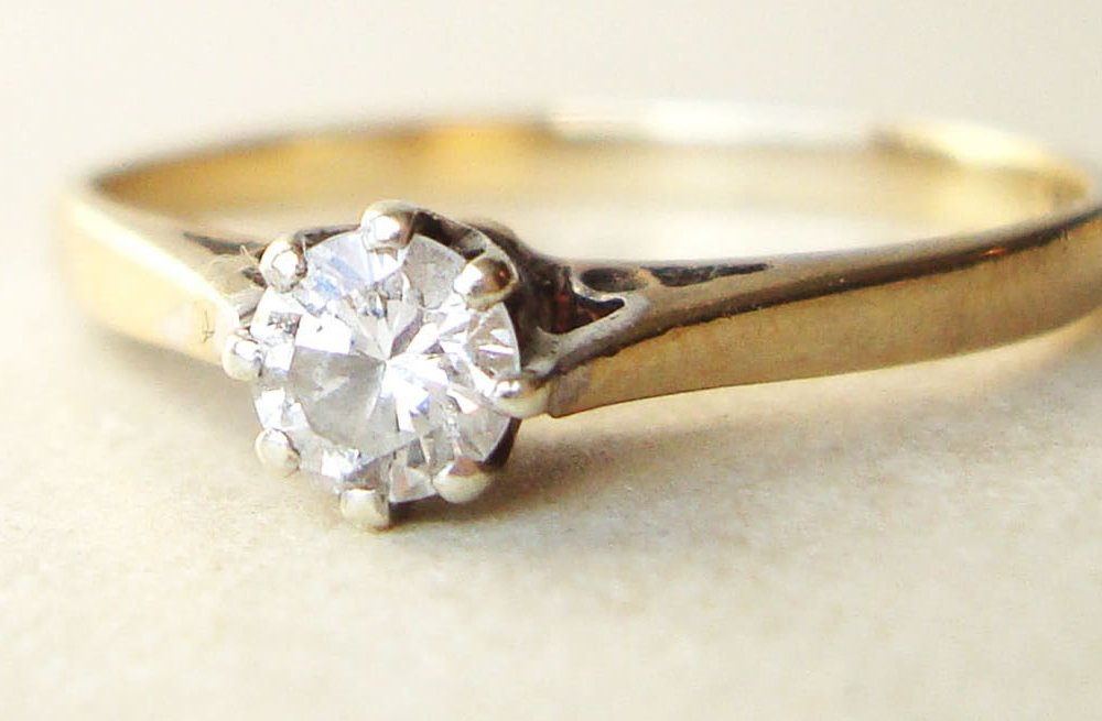 Simple Yellow Gold Engagement Ring with Round Diamond