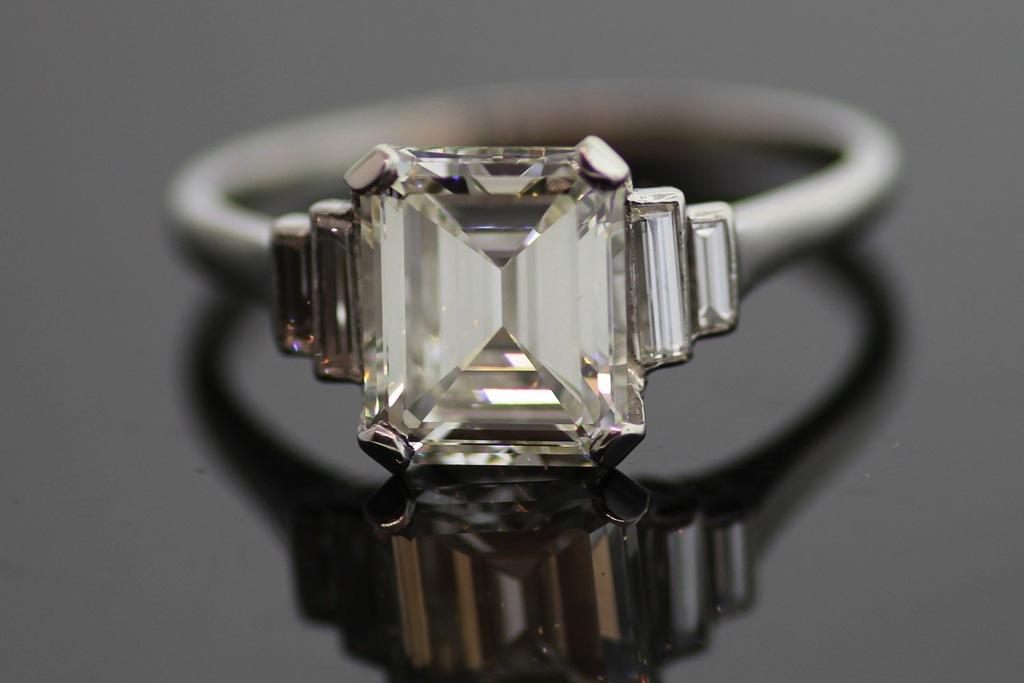 Emerald-cut-engagement-ring-vintage.full