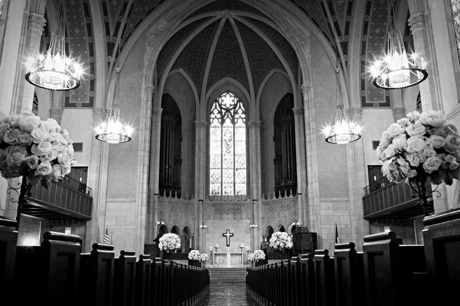 Elegant-church-venue-for-classic-ceremony.full
