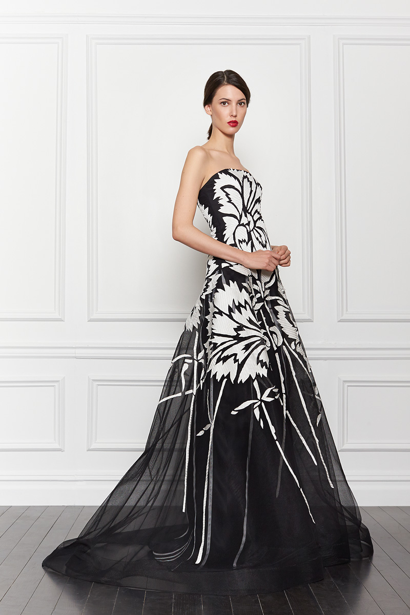 Black and white print wedding dress by carolina herrera for Black and white dresses for wedding