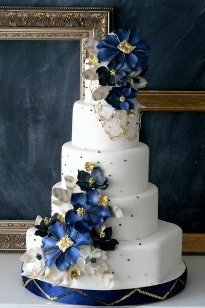 White Blue Gold Wedding Cake