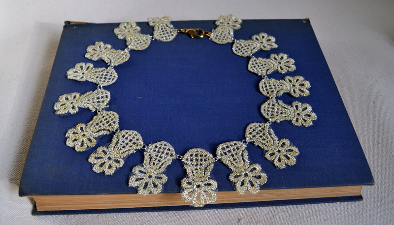 Statement-wedding-necklace-diy.full